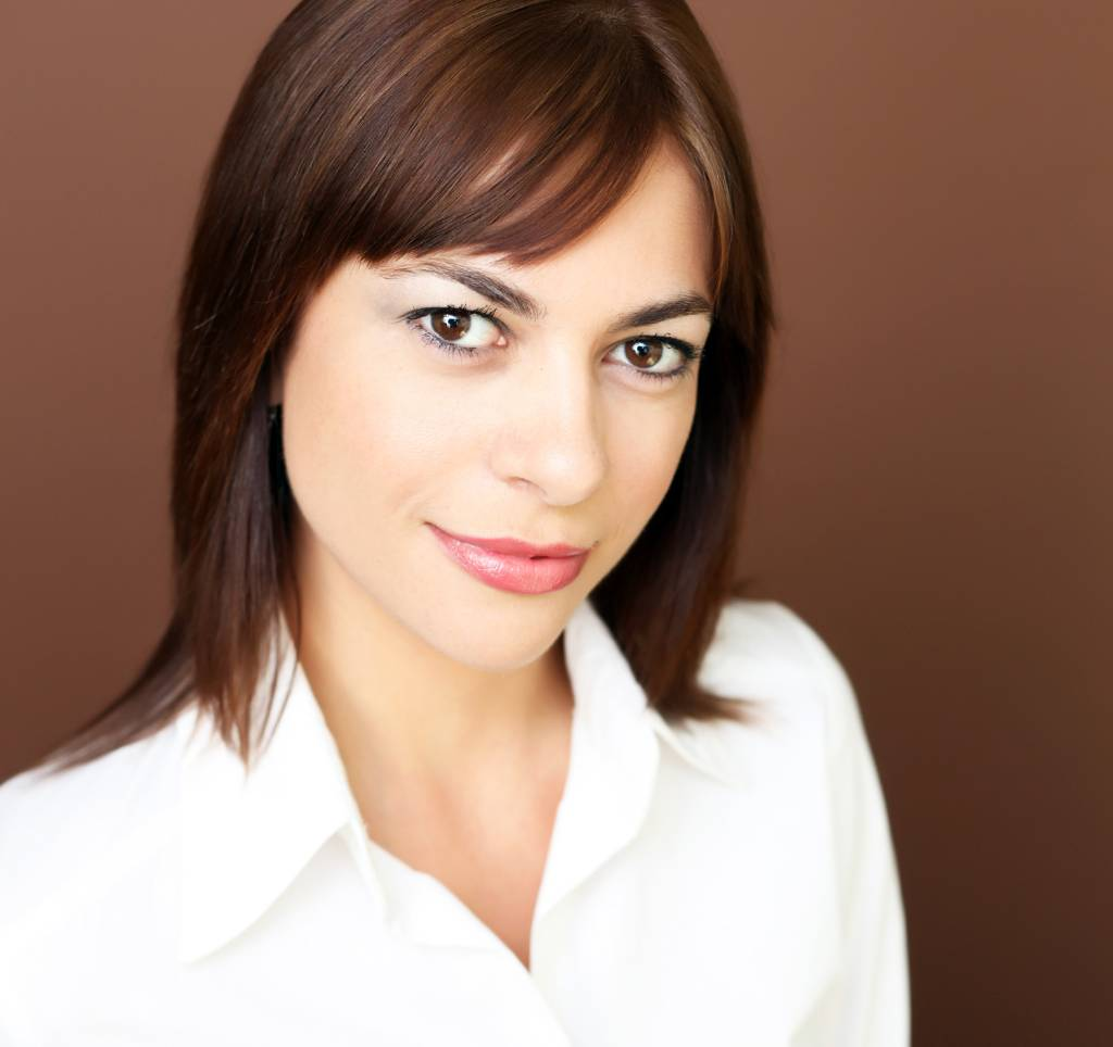 web Remax Real Estate Agent Portrait Jackie Abramovici Studios